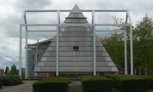 place11 Sinister Sites   Illuminati Pyramid in Blagnac, France