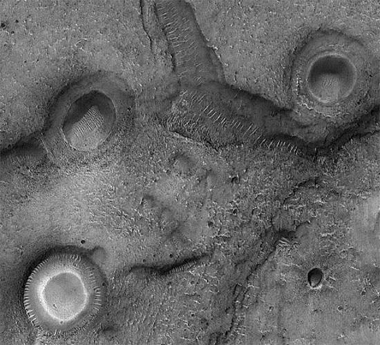 Portion of the Mare Acidalium quadrangle on Mars. Credit: NASA/JPL/University of Arizona