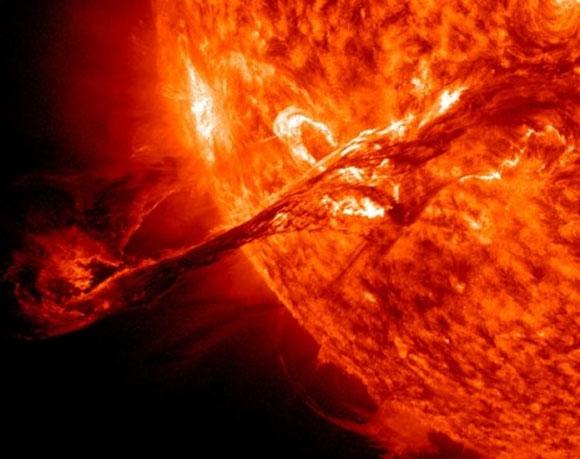 Tempestades solares em 2013 irão destruir nossa tecnologia?