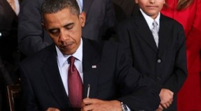 Reactions: Obama Signs Exec Orders &#038; Challenges Congress to Pass Gun Laws