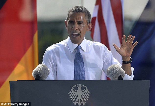 What a difference 5 years make Obama braves blistering Berlin heat to make speech before invite-only crowd of 4,500 (that's 195,500 FEWER than last time he was in Germany)