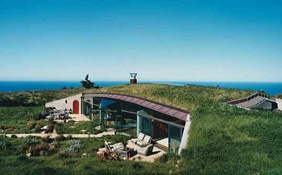 15 Reasons Why Having an Underground House Rocks
