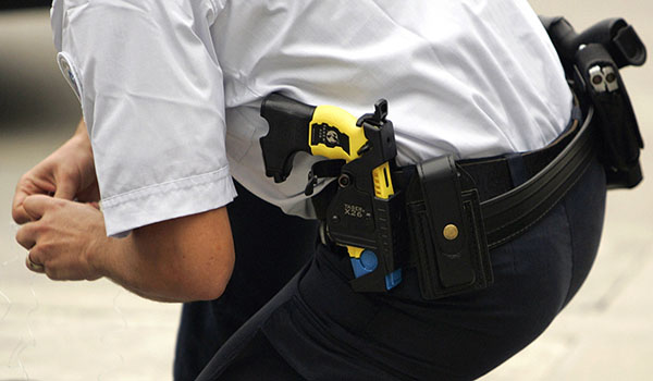 California cops sued for firing Taser at teenager's testicles