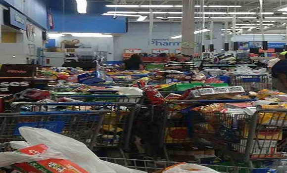 Caught On Tape Absolute Chaos At Walmart When Food Stamp Cards Stop Working