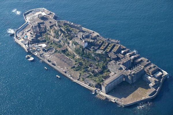 Inside Japan's abandoned ghost island of Hashima