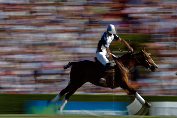 Argentine polo player rides cloned horse to win national championship.