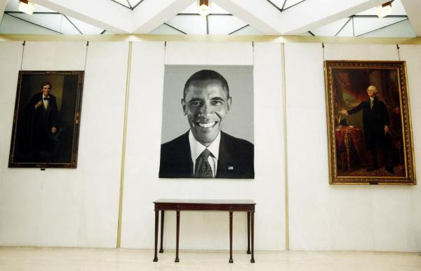 CREEPY! Selfie President Inserts Himself Between Washington and Lincoln