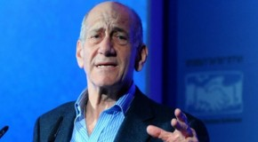 Olmert: PM has 'declared war on the US government'