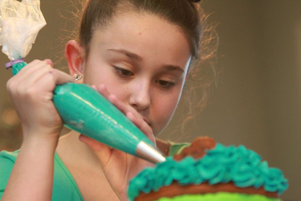 11-Year-Old Girl BANNED From Selling Cupcakes By Control Freak Government Bureaucrats