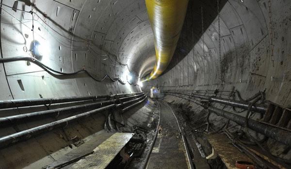 8 túneis enormes sendo construído agora sob uma cidade perto de você