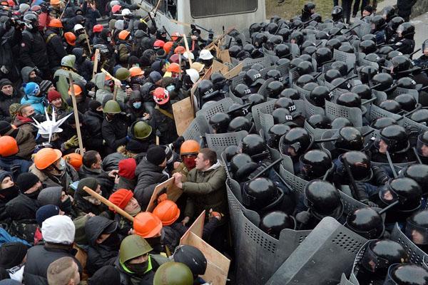 Media Scoundrels Target Ukraine