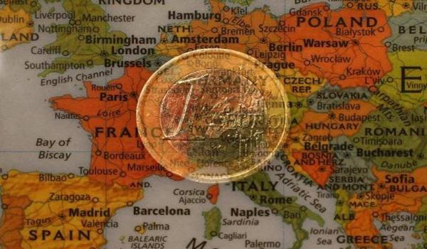 Exclusive: EU executive sees personal savings used to plug long-term financing gap