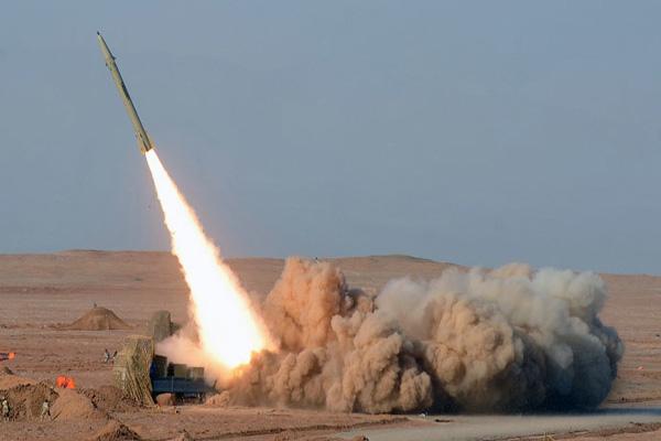 Iran test-fires ballistic missiles ahead of nuclear talks