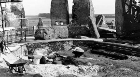SHOCK: 1954 PHOTOS SHOW STONEHENGE BEING BUILT