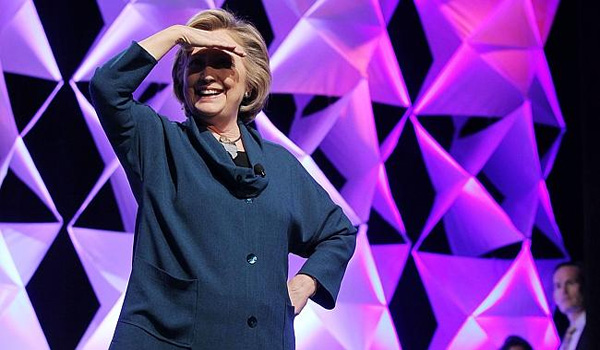 VIDEO That Hillary shoe-throwing thing does look kind of fake, huh