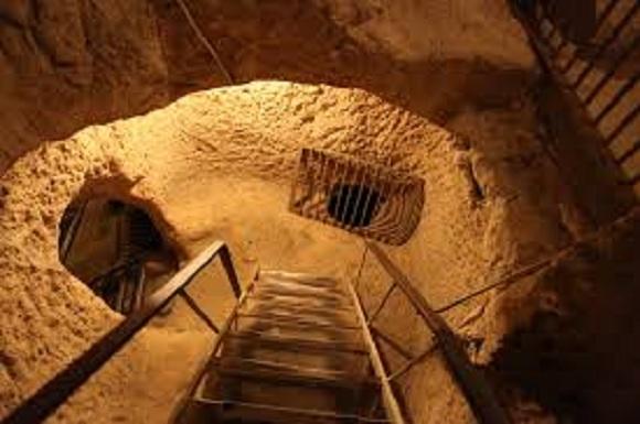 Massive Underground City hallado debajo del Casa-podían contener más de 20.000 personas-13 pisos de profundidad, 13000 Air Ejes y Mucho Más