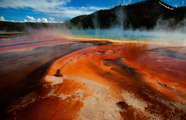 Yellowstone supervolcano 'turned the asphalt into soup' shutting down Natl