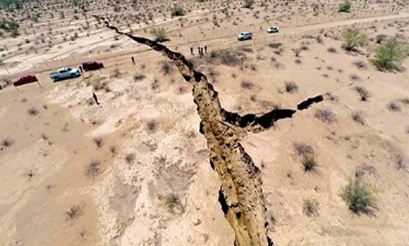 Video - MYSTERY Giant Earth Crack Opens Up Along Costa de Hermosillo in Mexico
