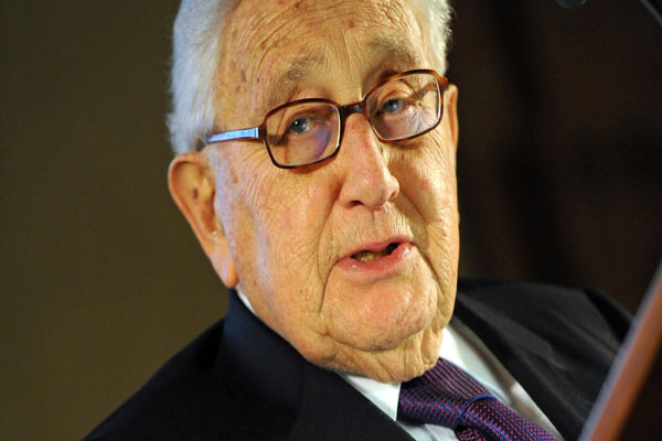 Kissinger blasts beheading of journalists, urges strong attack on ISIL