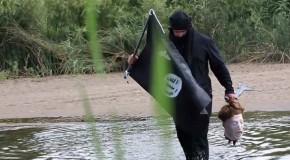 Man Crosses U.S. Border Dressed as ISIS Terrorist, Simulates Beheading
