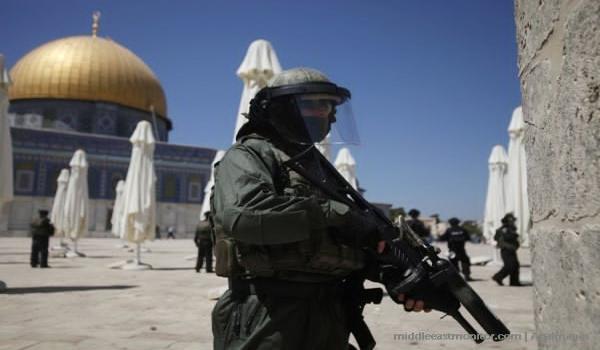 Israel proíbe os palestinos de entrar al-Aqsa Mosque