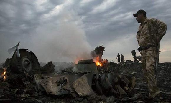 MH-17 Report False Flag Exposed After Revelation Passenger Was Wearing Oxygen Mask