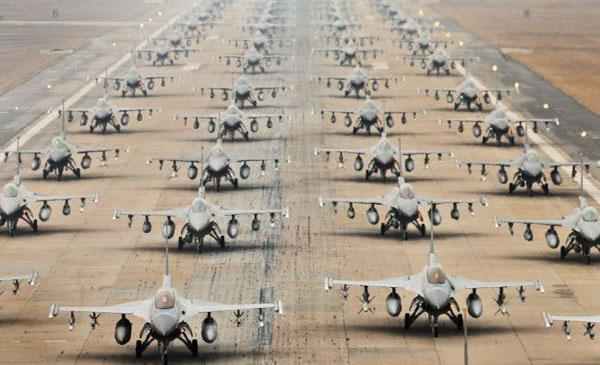 """US investir """"trilhões"""" para lutar em guerras de Israel Scholar"""