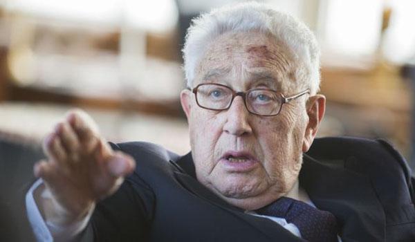 EUA era errado dizer Assad deve ir Kissinger