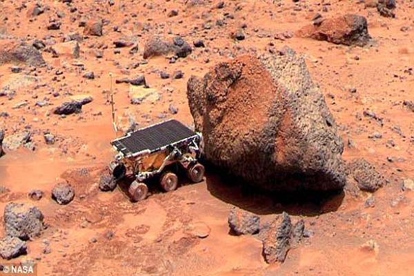 UFO experts claim to have spotted rock resembling the President in rover image