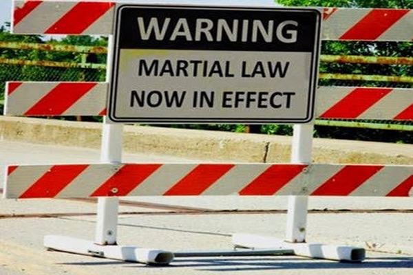 [Imagem: The-17-Elements-of-Martial-Law.jpg]